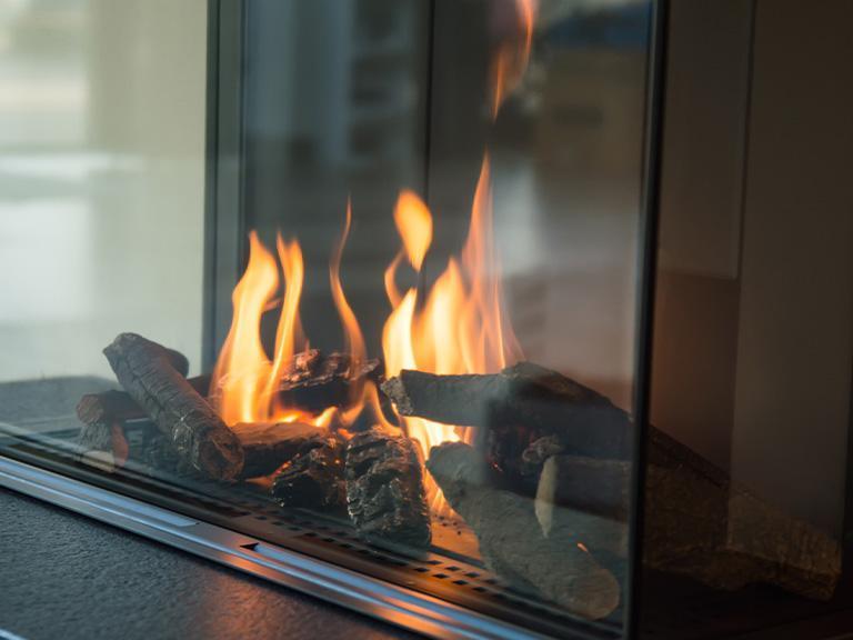 ogień wkominku